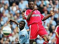Manchester City's Shaun Wright-Phillips battles with Charlton's Jason Euell