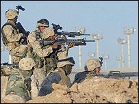 US Marines battle insurgents on outskirts of Falluja
