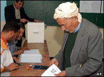 Algerian man votes in Algiers