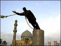 Saddam statue falls