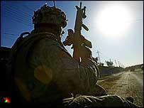US soldier on convoy passing through Falluja