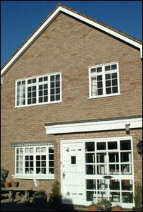 Detached house (freefoto.com)