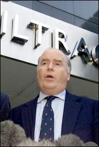 Gerald Corbett speaking days after the Hatfield crash in 2000