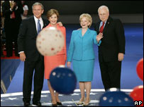 Geroge Bush y Dick Cheney con sus esposas