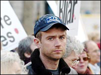 Blur singer Damon Albarn joins marchers at Trafalgar Square
