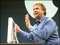 Phil Schiller with the iMac G5