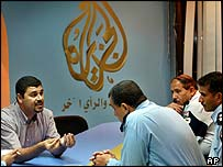 Al-Jazeera lawyer Haider al-Mulla tries to negotiate with Iraqi police
