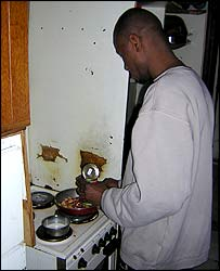 Mody Kante cooking