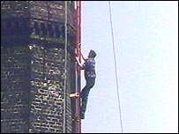 Fred Dibnah climbing a chimney