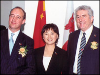 Hugh Williams, chief executive, Graig Shipping; Judy Qian, chief representative, Graig China Ltd;  First Minister Rhodri Morgan