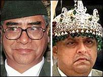 Former Nepal premier Sher Bahadur Deuba (L) and King Gyanendra