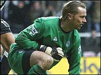 Leicester goalkeeper Ian Walker