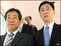 Oh Joon, right, Director-General for International Organization of Foreign Ministry and Cho Chung-won, left, Director-General for Nuclear Energy Cooperation of Science and Technology