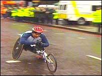 Sa�l Mendoza, de M�xico, ganador de los competidores masculinos en sillas de ruedas.