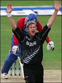 Jacob Oram took five wickets for New Zealand 