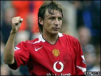 Gabriel Heinze scored on his debut for Manchester United