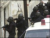 Jordanian special forces raid a house where terror suspects were hiding