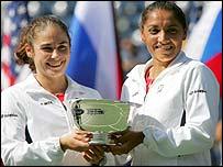 Virginia Ruano Pascual and Paola Suarez celebrate their US Open win