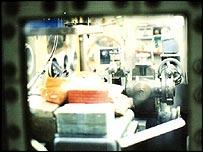 Detalle del equipo de producción de plutonio.