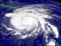 Imagen satelital del huracán Iván