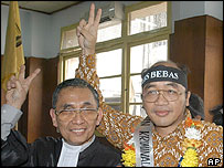 Journalist Bambang Harymurti, right, with his lawyer