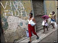 Cubans flee Hurricane Ivan