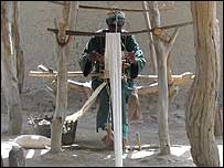 Cotton-weaver in Mali