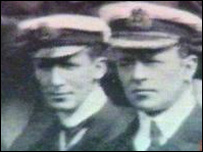 Captain Scott (r) was involved in a bitter feud with Albert Armitage - _40073241_scottarmitage203