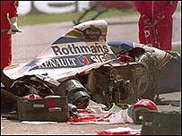 Imagen del autom�vil de Senna tras el accidente que le cost� la vida