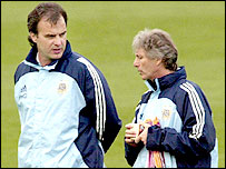 Peckerman (right) in conversation with Marcelo Bielsa