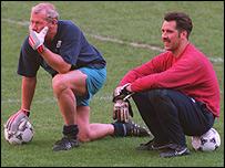 Arsenal goalkeeping legends Bob Wilson (left) and David Seaman