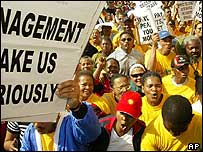 Striking workers in Cape Town