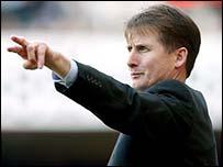 Former West Ham boss Glenn Roeder