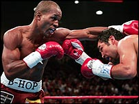 Bernard Hopkins throws a punch at Oscar de la Hoya