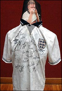 Midfielder Paul Gascoigne's shirt worn during the 1990 World Cup in Italy