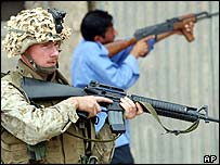 US Marine with Iraqi police officer in Falluja