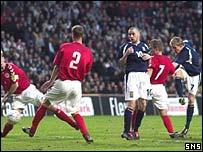 Darren Fletcher shoots narrowly wide against Denmark
