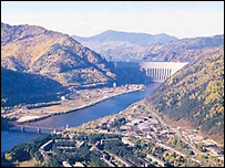 Саяно-Шушенская ГЭС (фото с сайта станции)
