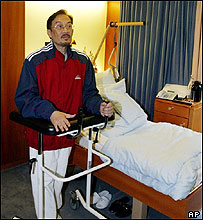 Anwar Ibrahim, German hospital, 15/09/2004