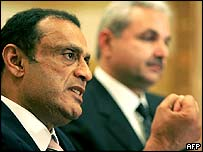 Lebanese General Prosecutor Adnan Adoum (left) and Interior Minister Elias Murr
