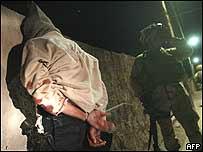 Iraqi detainee with Iraqi detainee (archive image)