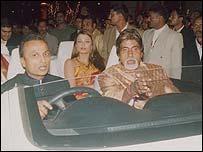 Anil Ambani (L) with Bollywood stars Aishwarya Rai (C) and Amitabh Bachchan