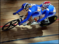 Aileen McGlynn (right) and Ellen Hunter during the final of the women's tandem sprint
