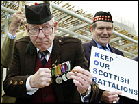 Former Kings Own Scottish Borderers Tony Keegan (left) demonstrating against regiment cutbacks