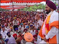 Balwant Singh Ramoowalia addressing an election rally