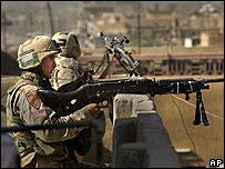 Soldados estadounidenses en Ciudad Sadr, Bagdad
