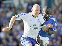 Everton's Thomas Gravesen and Portsmouth's Amdy Faye
