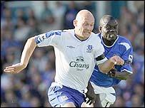 Everton's Thomas Gravesen and Portsmouth's Amdy Faye
