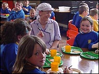 Children at Ysgol Cystennin in Mochdre try the new menu
