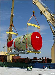 Loading part of the aft fuselage